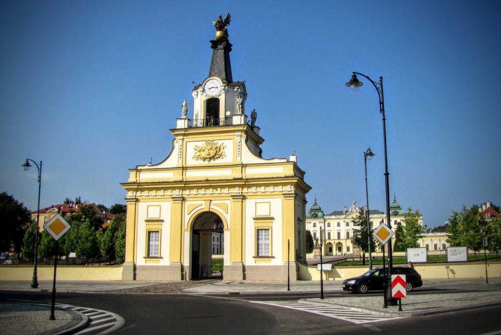 Zegar na Bramie Pałacu Branickich, fot. Lidia Dobrowolska