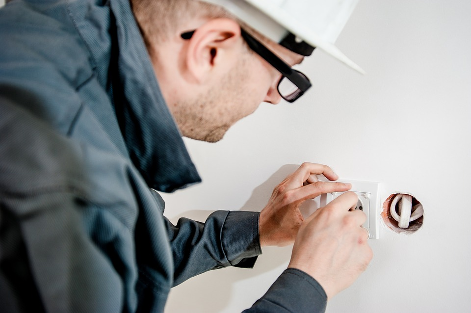 electrician-1080561_960_720