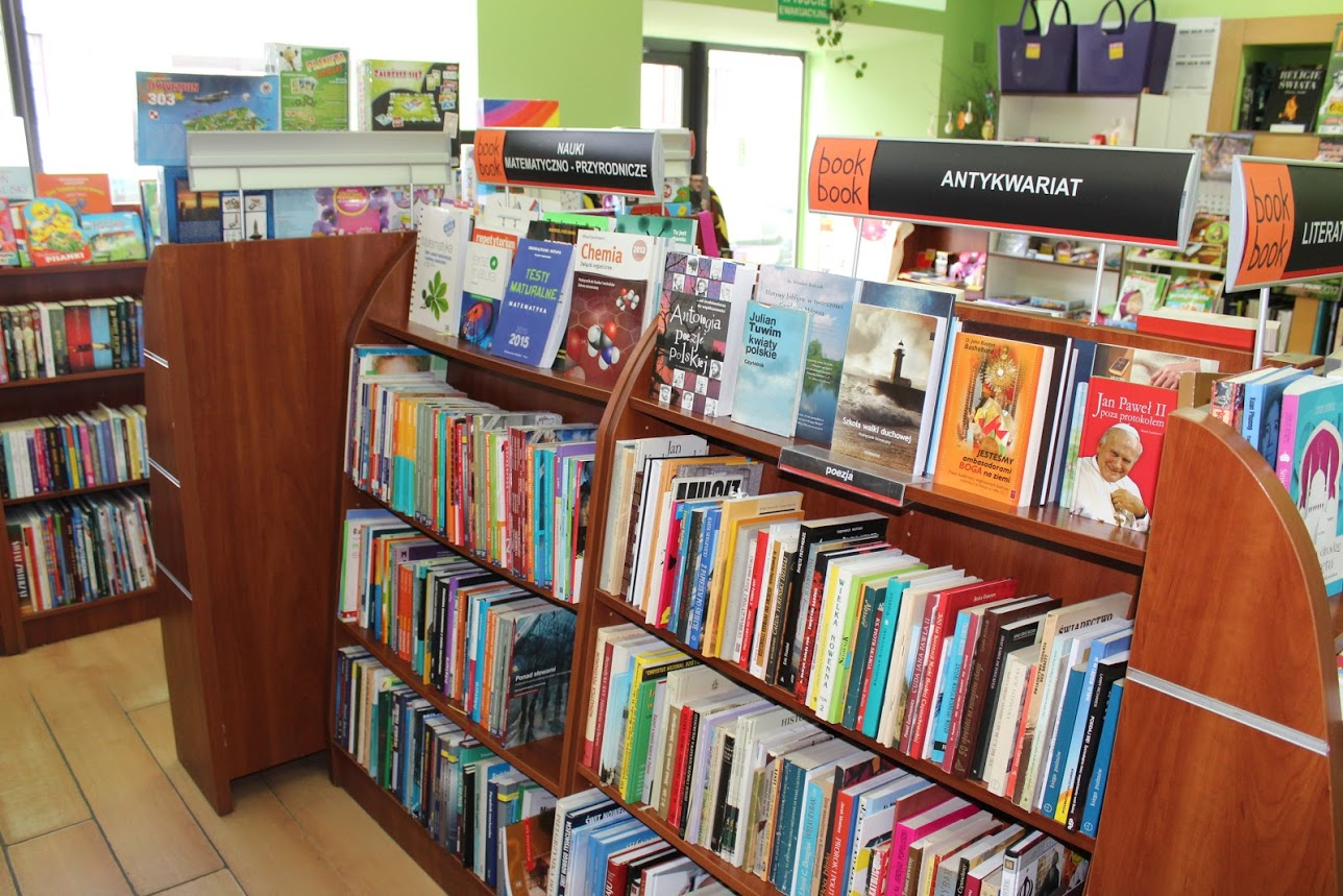 Antykwariat Book Book na ul. Warszawskiej, fot. L. Dobrowolska