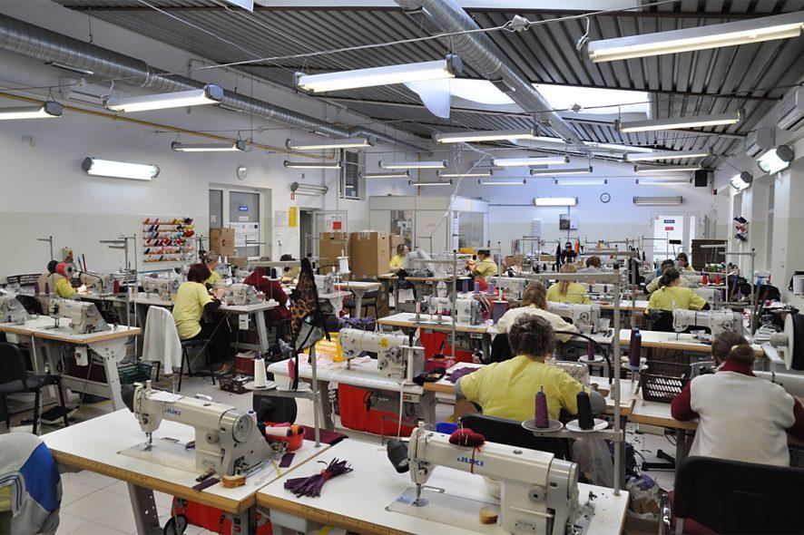 c7f86529ccb5a0 Wiodący eksporter i producent ekskluzywnej bielizny damskiej Axami – firma  mająca siedzibę w Zaściankach k. Białegostoku – planuje zwiększyć  zatrudnienie.