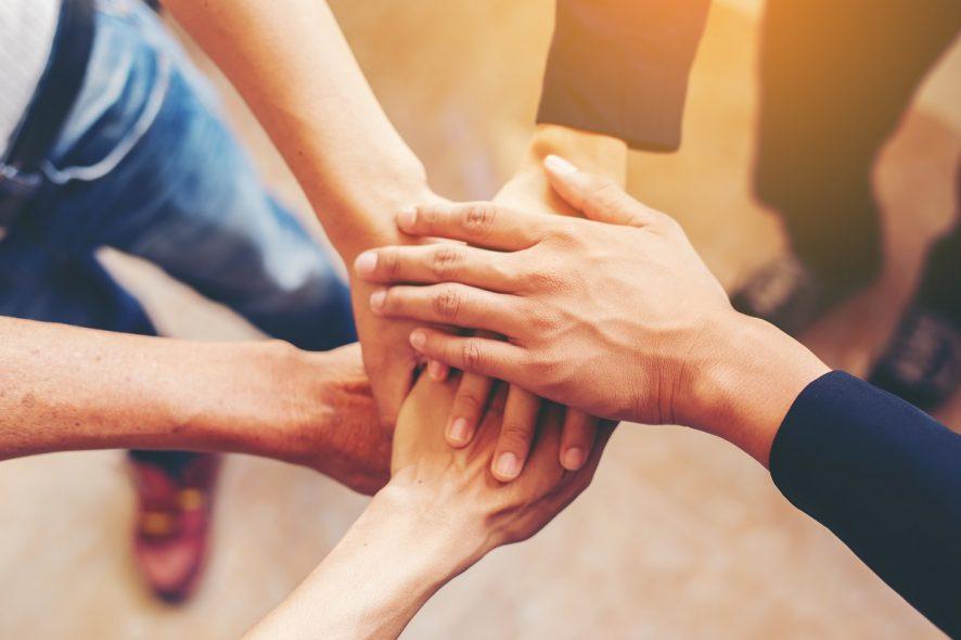 Jak połączyć biznes i działalność społeczną?