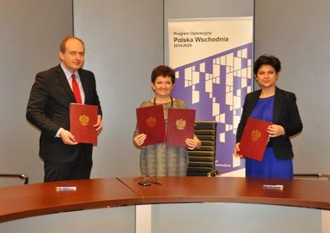 Od lewej: dyrektor CUPT Paweł Szaciłło, wiceminister Iwona Wendel, prezes PARP Bożena Lublińska-Kasprzak